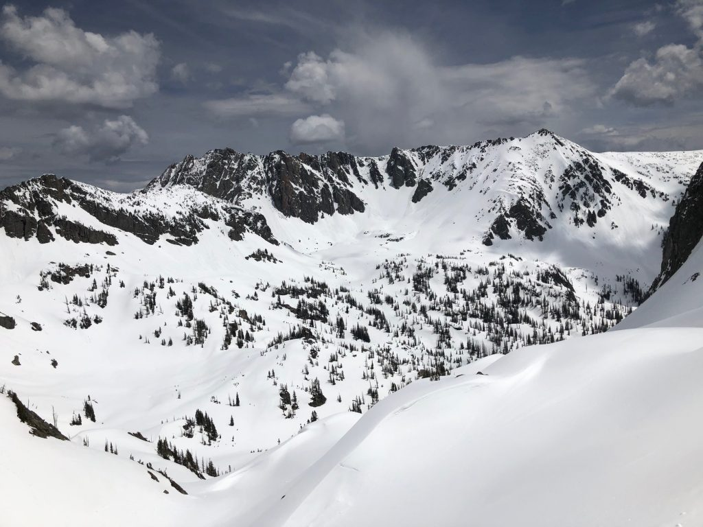 Mount Zirkel is visible from the ridge.
