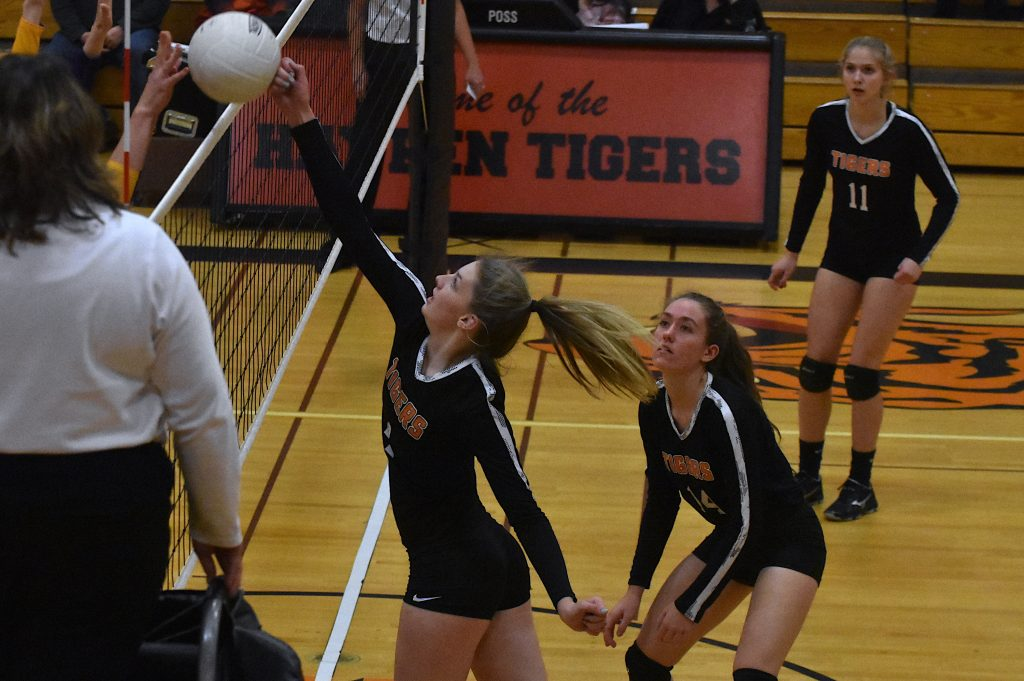 Hayden volleyball falls flat against West Grand